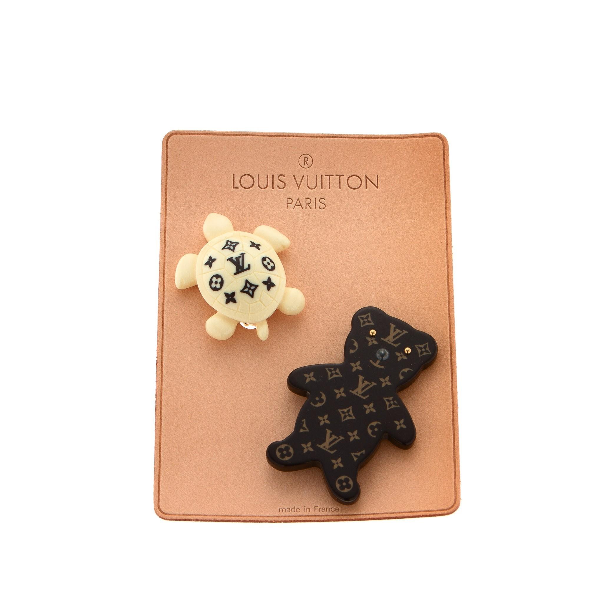 Louis Vuitton Brooches  Monogram Plastic Brooch LXRCO