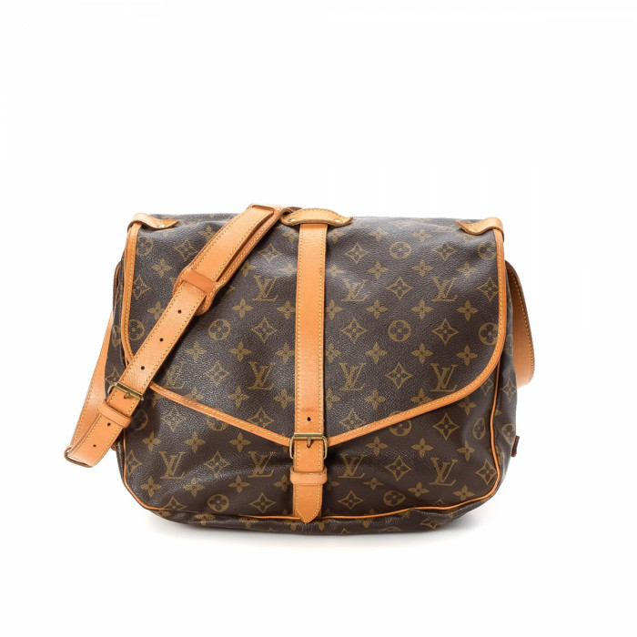 louis vuitton crossbody vintage. lxrandco guarantees this is an authentic vintage louis vuitton saumur 35 messenger \u0026 crossbody bag. crafted in monogram coated canvas, sophisticated -